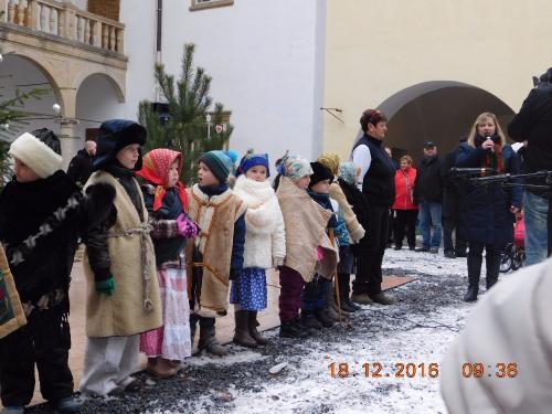 """Koledníci na """"Vánočním zámku"""""""